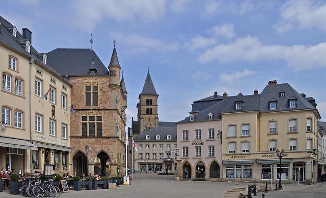Echternach is beroemd voor zijn processie, maar heeft ook een knus marktplein.