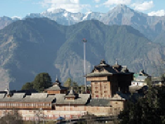 Tempel in het reusachtige Himalaya-gebergte.