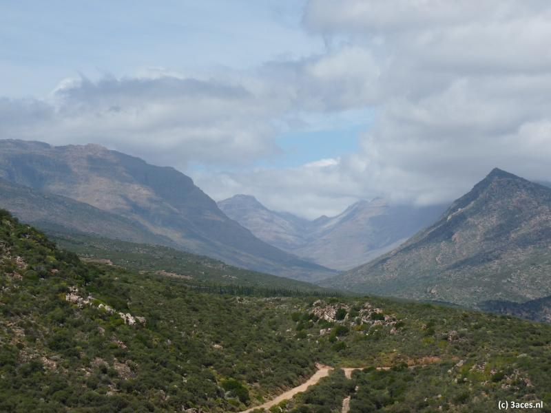 Ruwe natuur, grillige bergen.